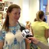 Joanna Bruździńska w bibliotece