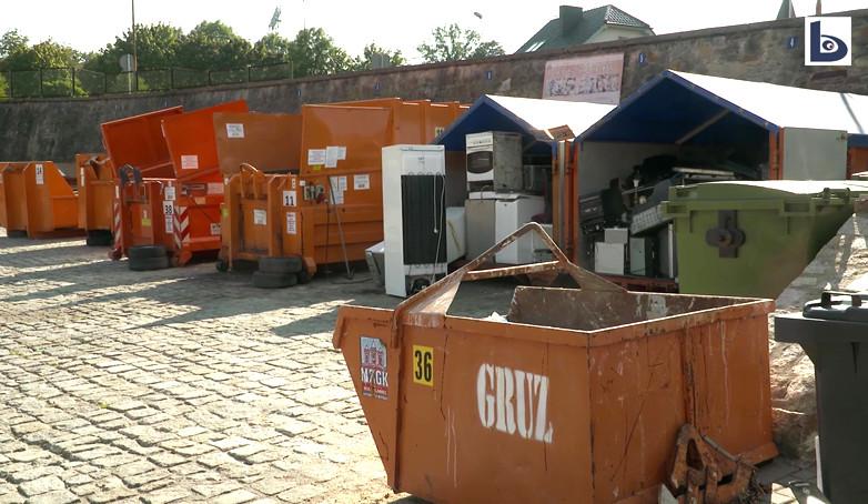 Bat na niepłacących za śmieci