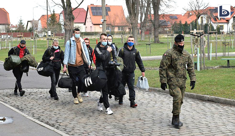 Ochotnicy w bolesławieckim Pułku Artylerii